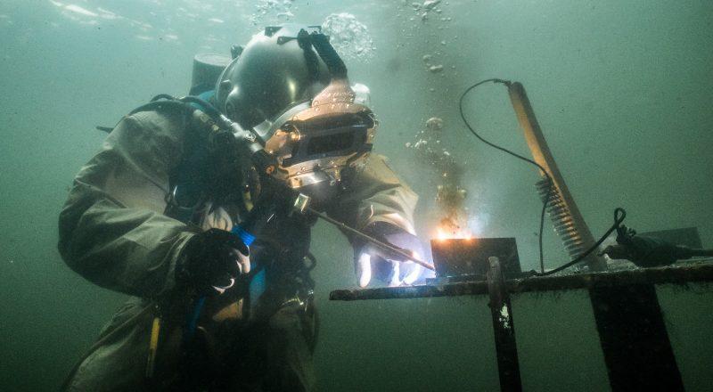 Underwater Welding School - Career & Welding Salary, Welder Wage