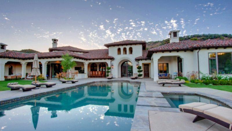 18 Stunning Hacienda Style Houses