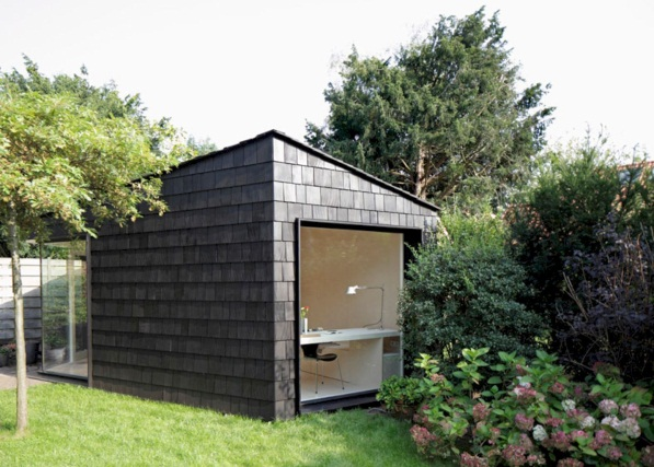 Gorgeous 48 Inspirational Backyard Studio and Office Ideas https://bellezaroom.com/2017/09/16/48-inspiratio…   Backyard guest houses, Garden studio, Backyard office
