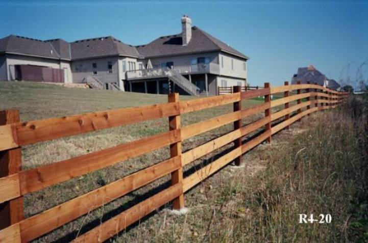 A split rail fence can offer your property a decorative way to define the boundaries of the yard.