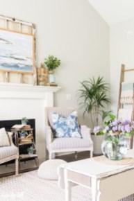 Afordable Livingroom Summer Decoration 42