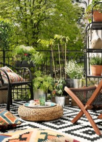 Afordable Summer Balcony Decoration 25