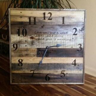 Amazing Ancient Clock At Llivingroom 38