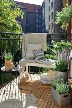 Amazing Gardening Balcony Low Budget 31