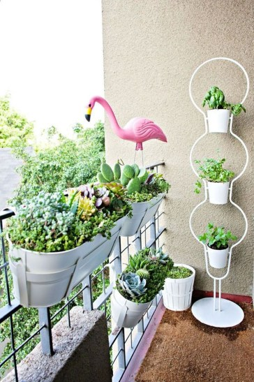Amazing Gardening Balcony Low Budget 37