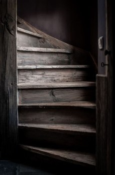 Amazing Wooden Stairs For Your Home 19