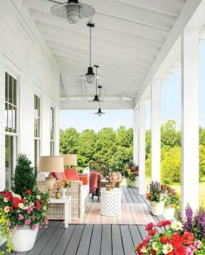 Amazing And Cozy Porch You Can Copy 07