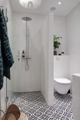 Amazing Modern Small Bathroom Design Ideas 34