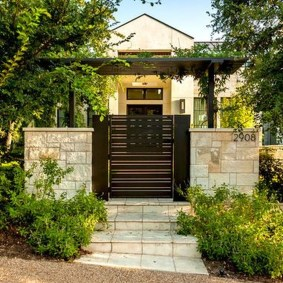 Inspiring Modern Home Gates Design Ideas 12