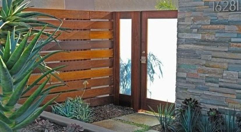 Inspiring Modern Home Gates Design Ideas 20