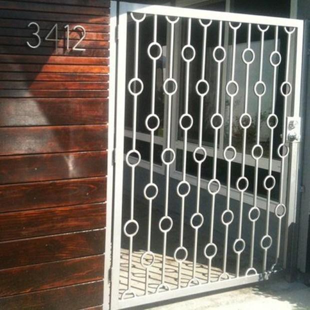 Inspiring Modern Home Gates Design Ideas 25