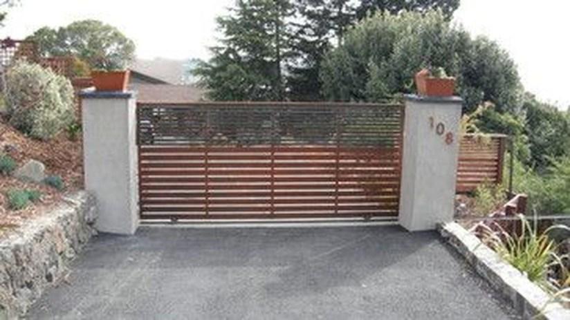 Inspiring Modern Home Gates Design Ideas 37
