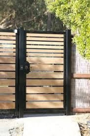 Inspiring Modern Home Gates Design Ideas 38