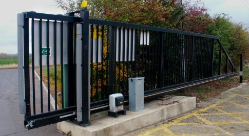 Inspiring Modern Home Gates Design Ideas 42