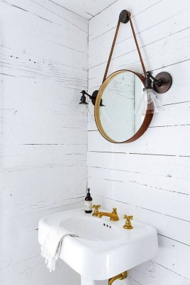 Inspiring Rustic Small Bathroom Wood Decor Design 35