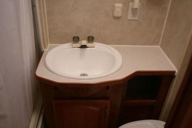 Amazing Small Rv Bathroom Toilet Remodel Ideas 17