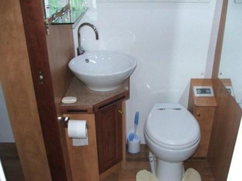 Amazing Small Rv Bathroom Toilet Remodel Ideas 24