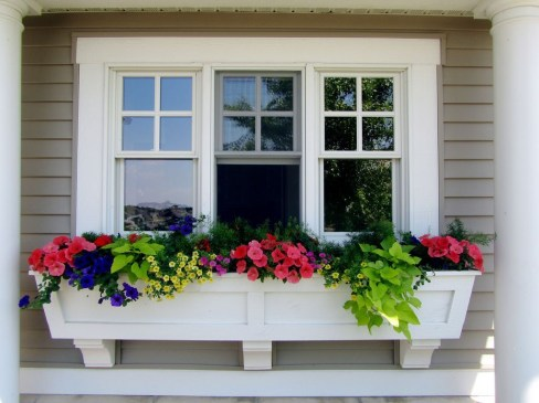 Amazing Windows Flower Boxes Design Ideas Must See15
