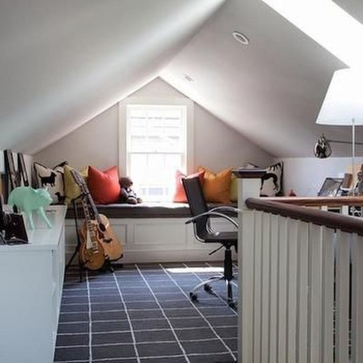 Awesome Traditional Attic You Can Try21