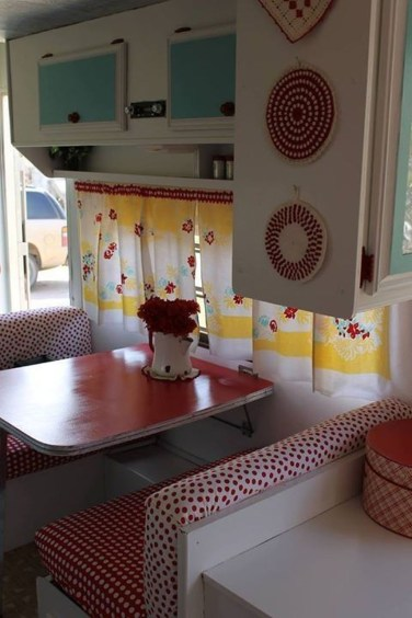 Fantastic Rv Camper Interior Ideas43