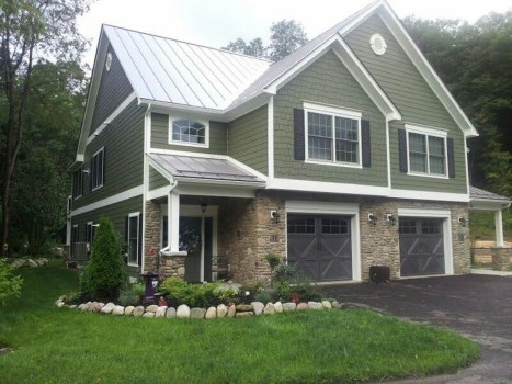 Ideas To Make Your Home Look Elegant With Vinyl Siding Color35