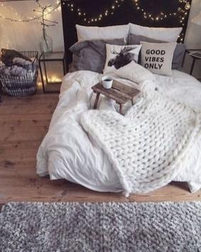 Inspiring Rustic Wooden Floor Living Room Design41