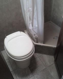 Inspiring Rv Bathroom Makeover Design Ideas30