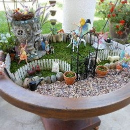 Stunning Fairy Garden Miniatures Project Ideas36