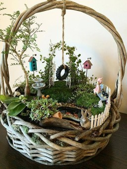 Stunning Fairy Garden Miniatures Project Ideas37