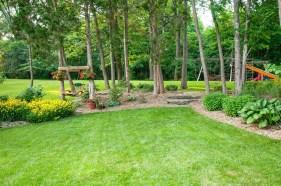 Amazing Big Tree Landscaping Ideas14