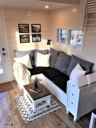 Amazing Small Apartment Living Room 34
