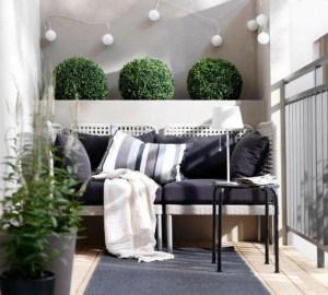 Awesome Small Balcony Garden Ideas05