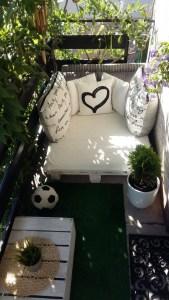 Awesome Small Balcony Garden Ideas16