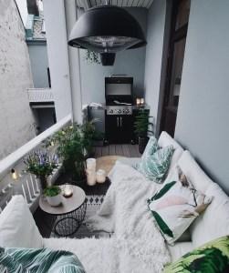 Awesome Small Balcony Garden Ideas33