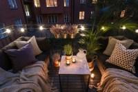 Awesome Small Balcony Garden Ideas35