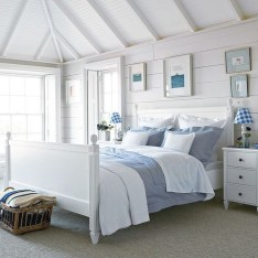 Elegant White Themed Bedroom Ideas08