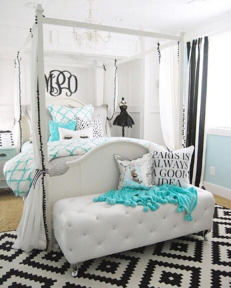 Elegant White Themed Bedroom Ideas24