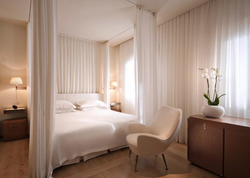 Elegant White Themed Bedroom Ideas38