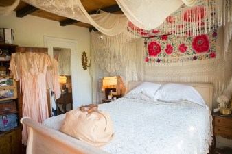 Inspiring Vintage Bohemian Bedroom Decorations12