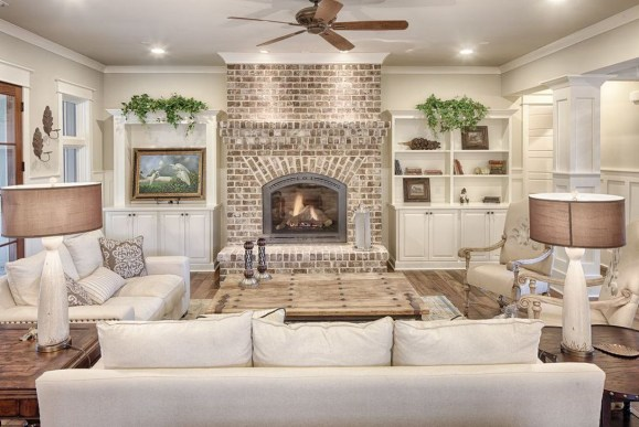 Rustic Brick Fireplace Living Rooms Decorations Ideas20