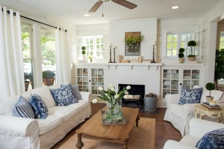 Rustic Brick Fireplace Living Rooms Decorations Ideas28