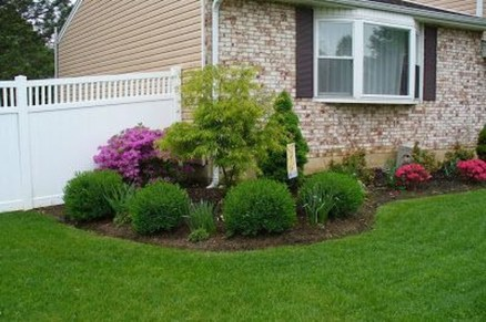 Wonderful Landscaping Front Yard Ideas11