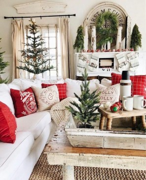 Amazing Farmhouse Winter Decoration Ideas26