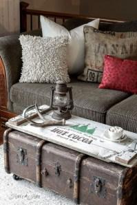 Amazing Farmhouse Winter Decoration Ideas28
