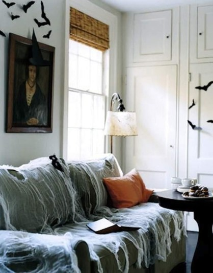 Attractive Diy Halloween Living Room Decoration Ideas19