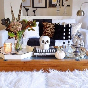 Attractive Diy Halloween Living Room Decoration Ideas23