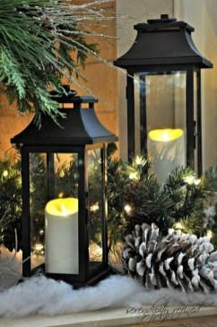 Fantastic Winter Mantle Decoration Ideas06