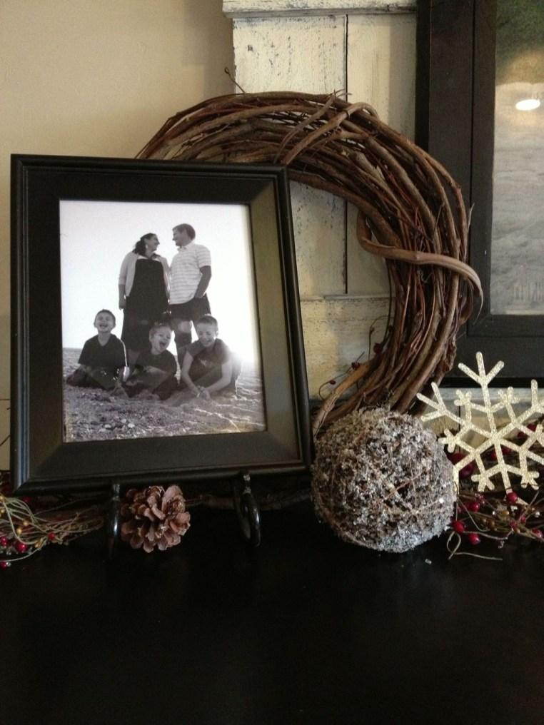 Fantastic Winter Mantle Decoration Ideas18