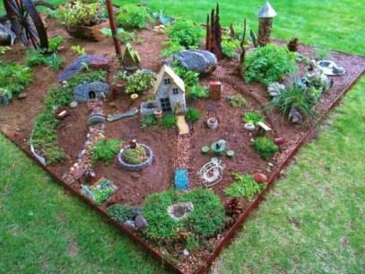 Impressive Magical Mini Garden Ideas16