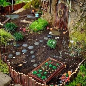 Impressive Magical Mini Garden Ideas18